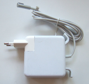 Блок питания APPLE 85W: 18.5V, 4.6A (Magnet tip)300x300